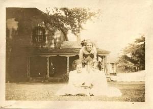 Human pyramid House Party 1 June 1911