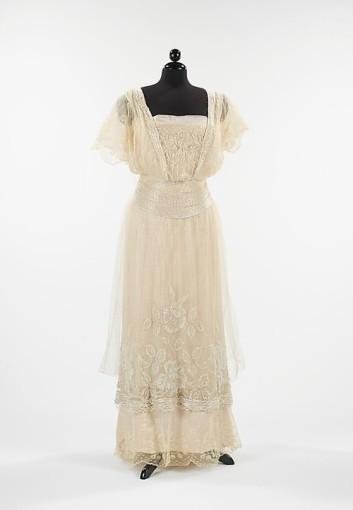 Edwardian dress 1911