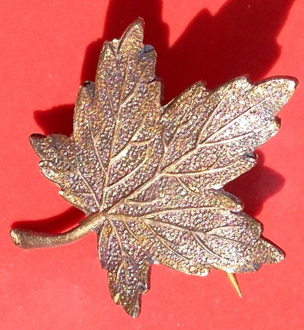 Canadian Maple Leaf pin given to Jessie from Sara, September 1911