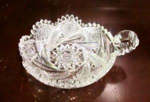 Antique cut glass nappe