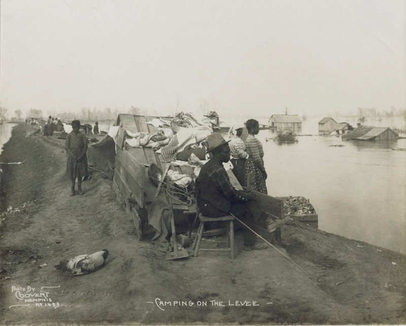 Camping on the levee. Memphis 1912, J.C. Coovert, photographer